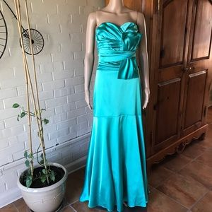 B Smart Prom/Bridesmaid maxi gown